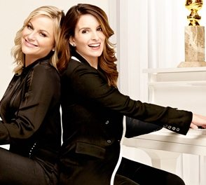 (L to R) Hosts Amy Poehler and Tina Fey. (Source: NBC)
