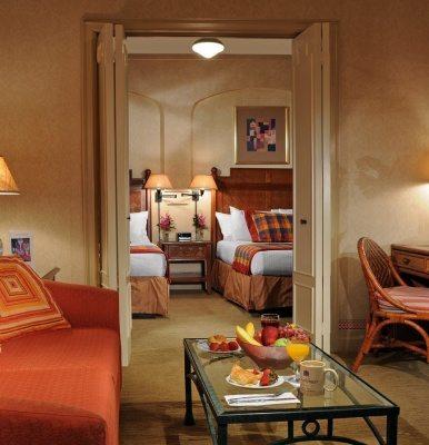 Casablanca Hotel, Manhattan Digest
