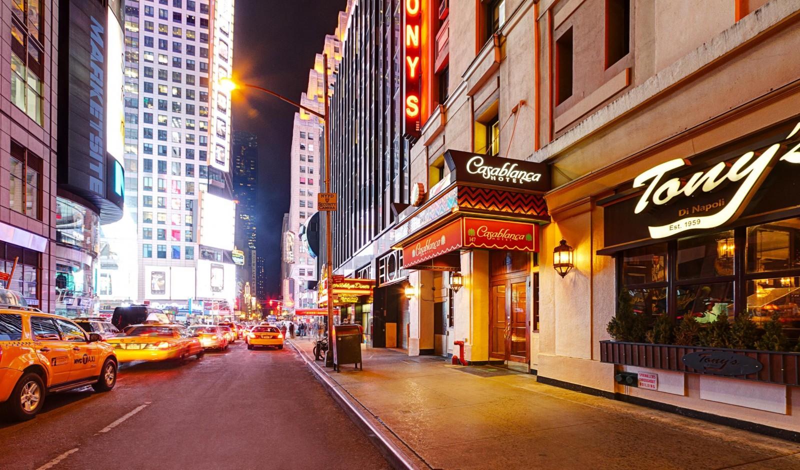 Casablanca Hotel. Manhattan Digest