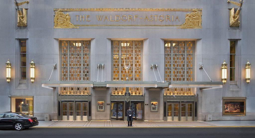 Waldorf Astoria, Manhattan Digest, Peacock Alley