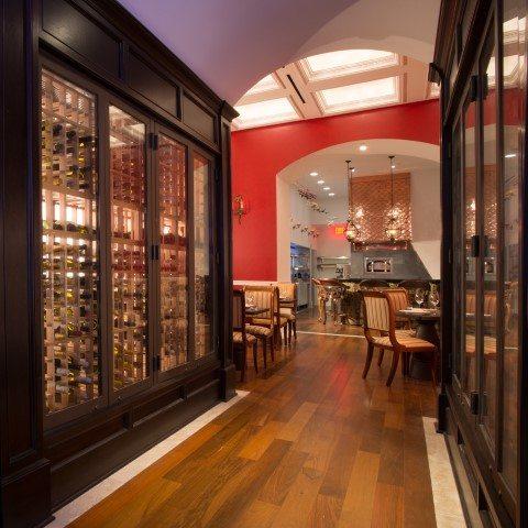 The Kimberly Hotel, Manhattan Digest, Bistango