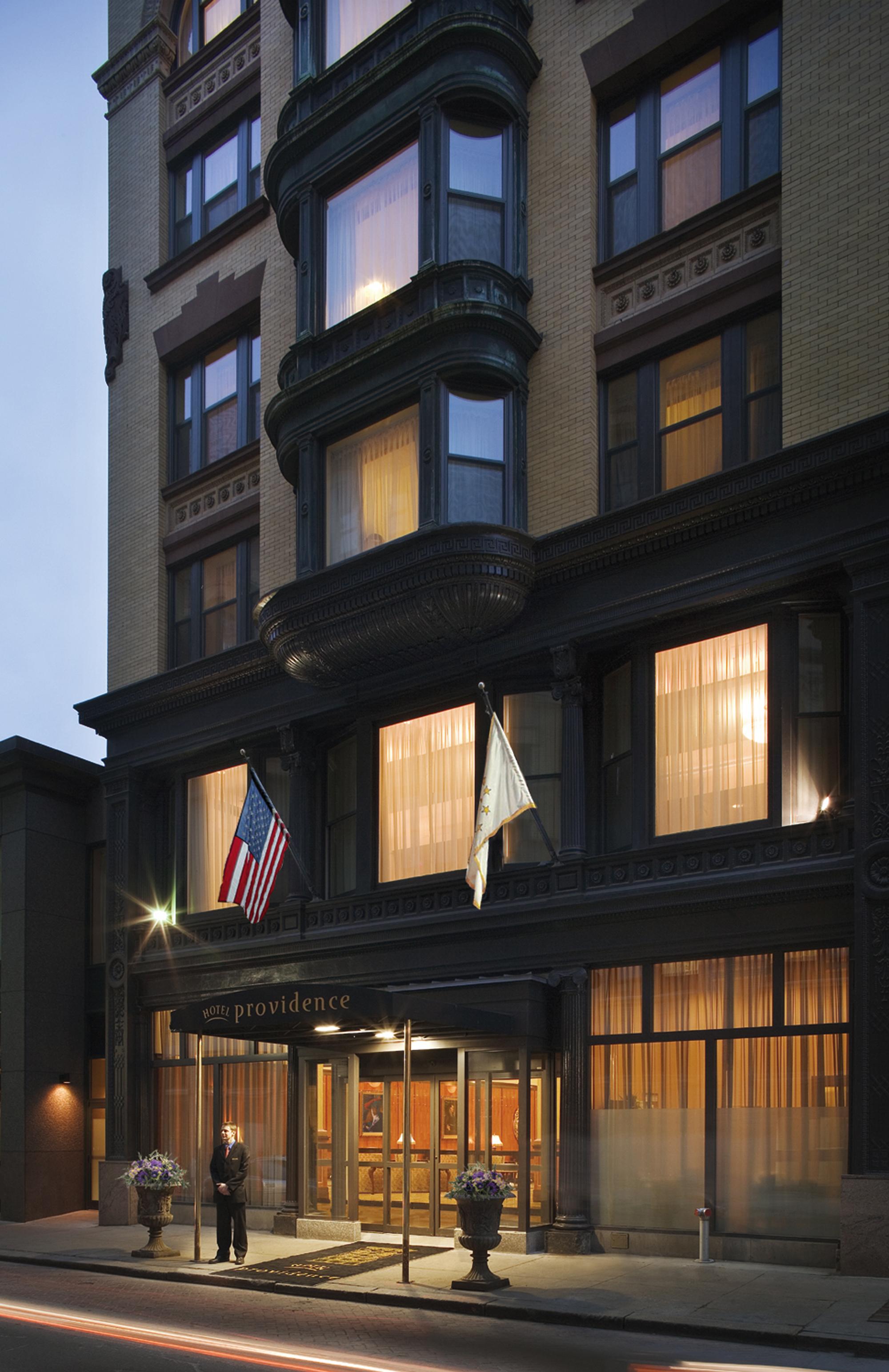 The hotel Providence, Manhattan Digest