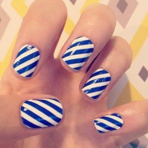 Creative-blue-and-white-striped-nails