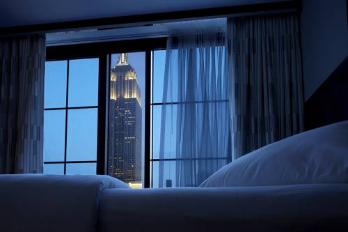 Empire State by Night. Photo courtesy of Carla Caccavale PR.