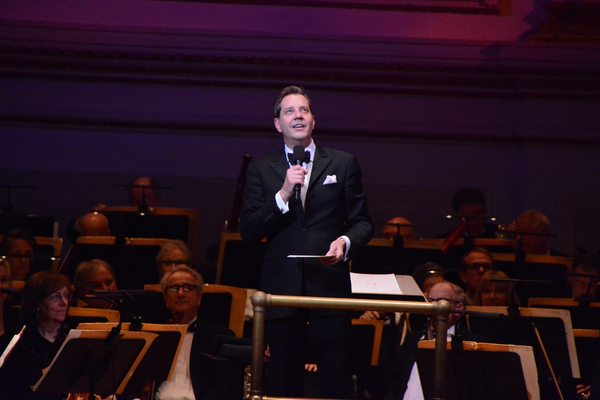 Steven Reineke and the NY Pops Orchestra. Photo by Genevieve Rafter Keddy.