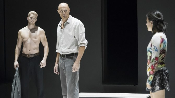 Mark Strong in A VIEW FROM THE BRIDGE. Photo by Jan Versweyeld.