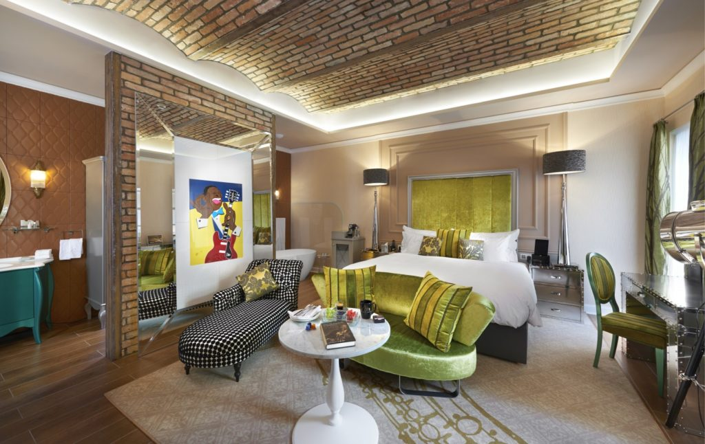 Aria Signature room inspired by BB King, Jazz Wing.
